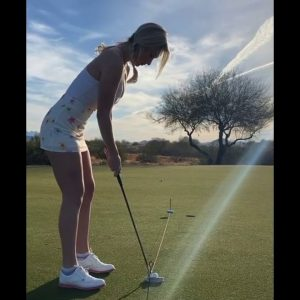 Paige spiranac putting #golfshort #paigespiranac #putting #short